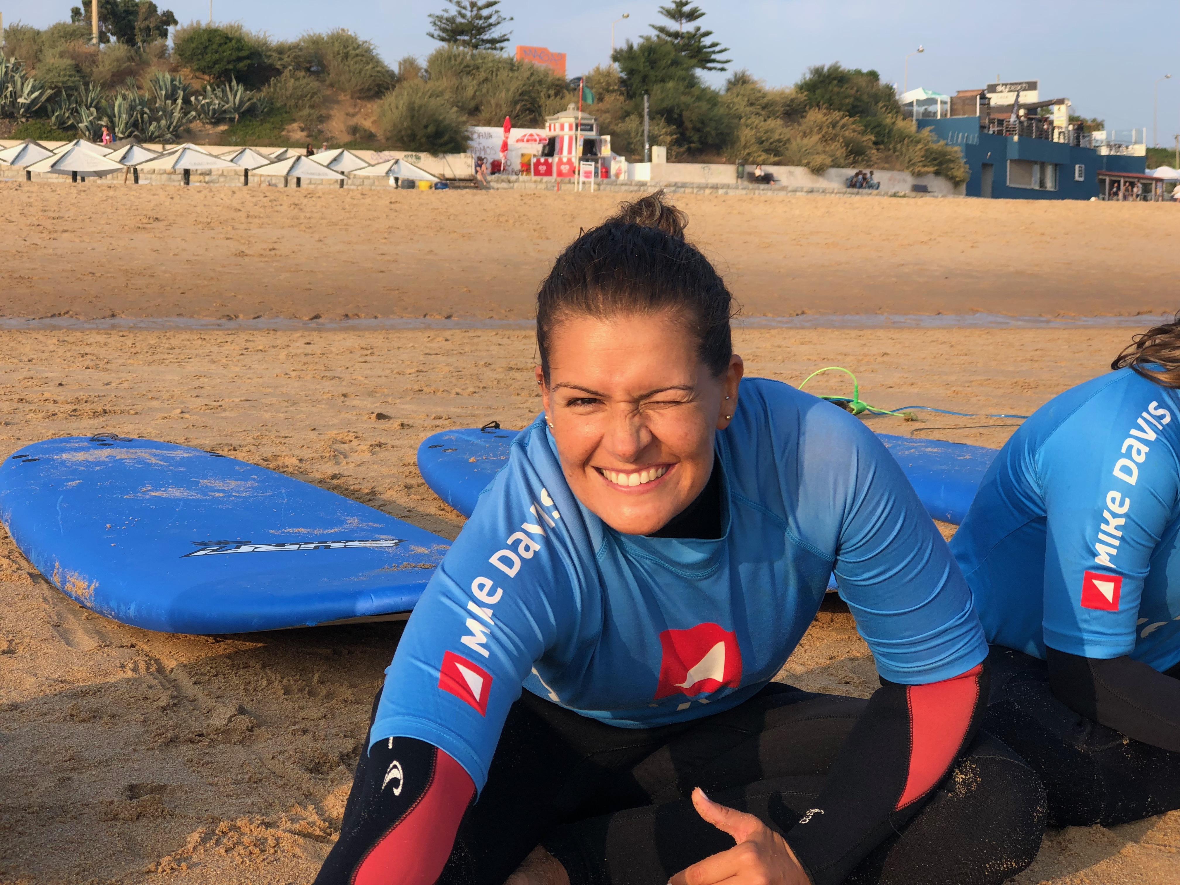 PHC a preparar-se para enfrentar as ondas numa aula de surf